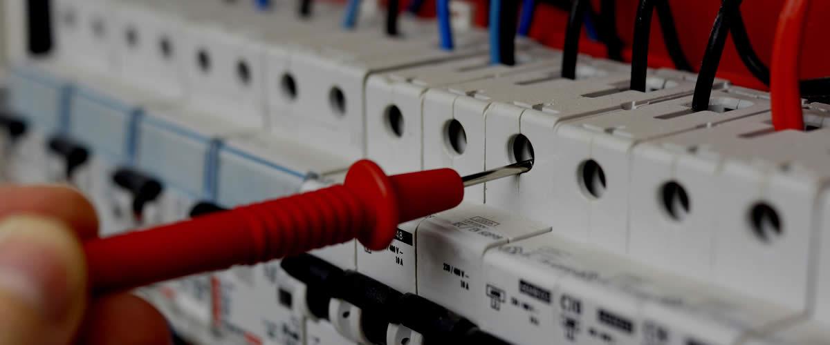 Mantenimiento Electrico Comunidades Malaga