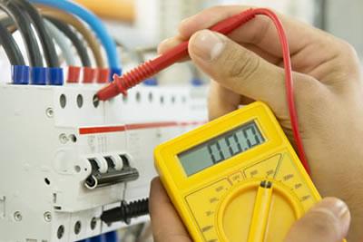 Mantenimiento instalaciones electricas comunidad malaga